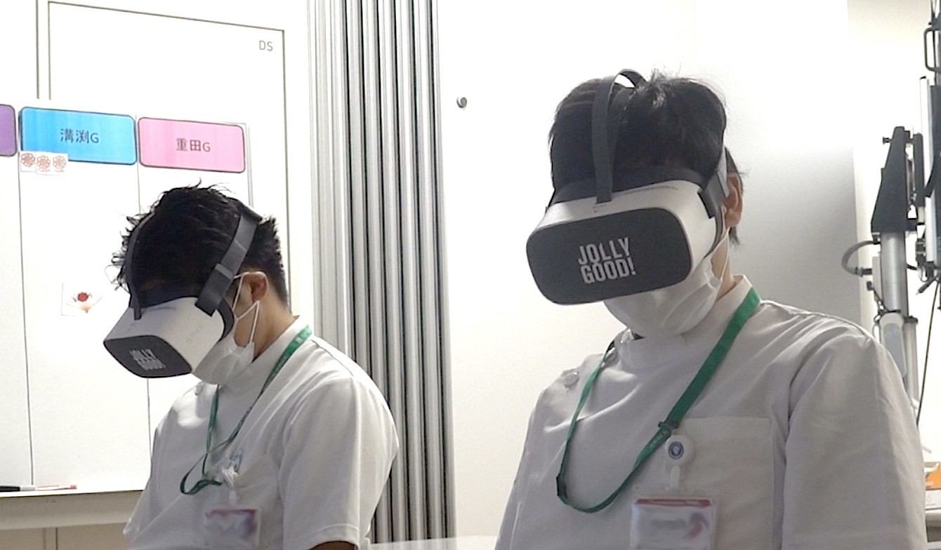 Medical Education for Japan's Medical Students Using VR